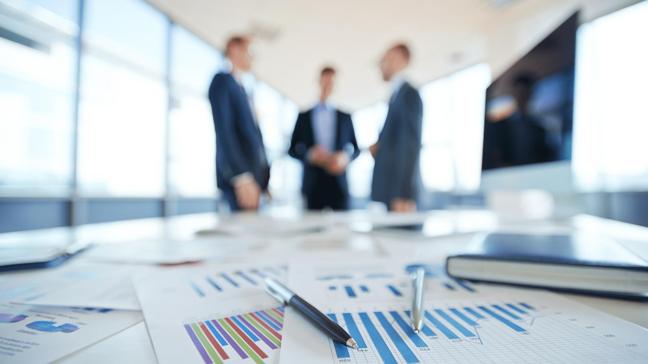 como interpretar tus reportes de ventas para mejorar la productividad de tu equipo comercial